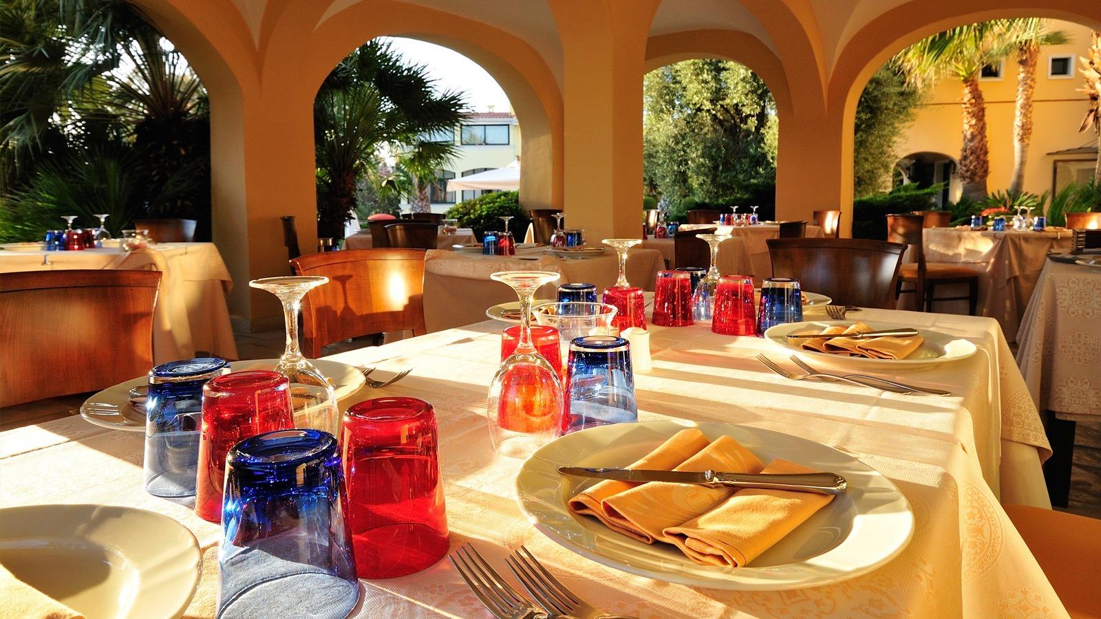 hotel-arbatasar-arbatax_ristorante-veranda-51