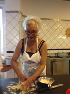woman-kitchen-sorrento