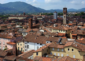 02_lucca_seen_from_torre_guinigi