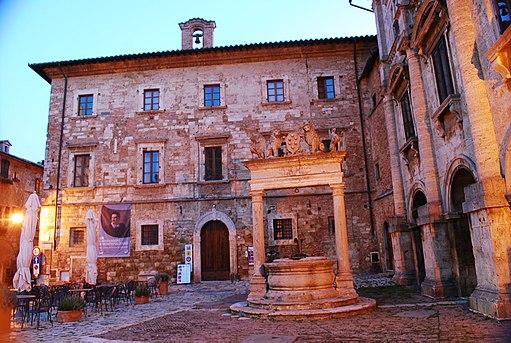Palazzo_del_Capitano_Montepulciano